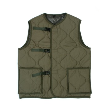 YOU NEED GARMENTSBuckle Quilted Vest (Khaki)