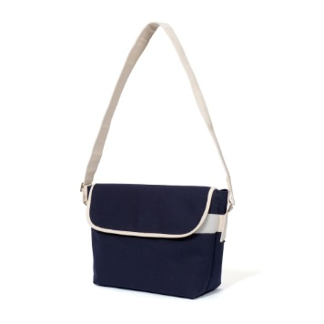 MAZI UNTITLEDAmble  Bag(Navy)