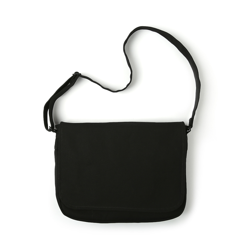 MAZI UNTITLEDRunner's Bag(Black)