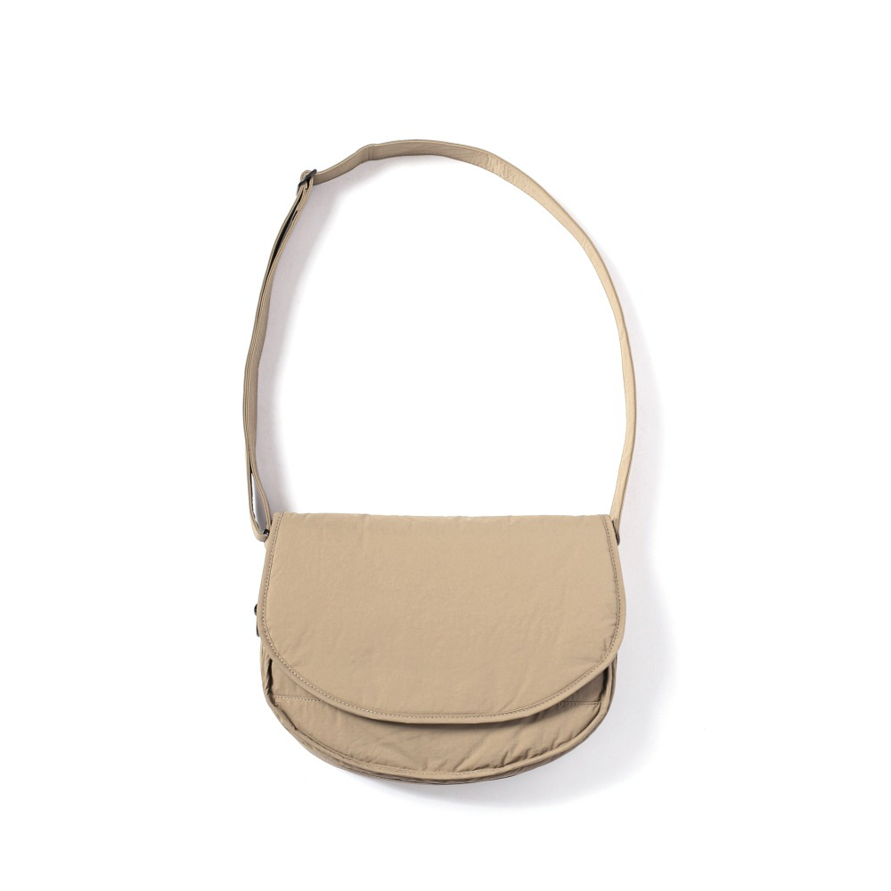 MAZI UNTITLEDNylon Small Runner's Bag(Beige)
