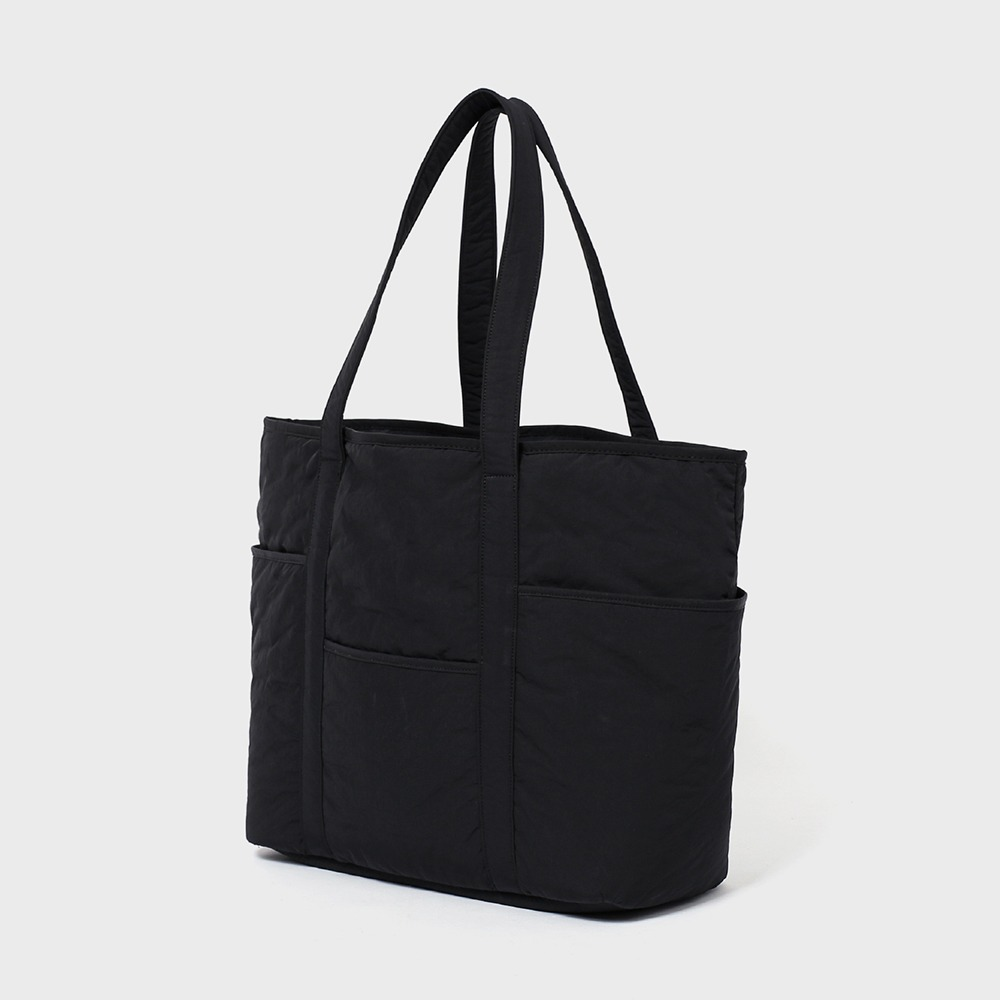 MAZI UNTITLEDNylon Cafe Tote(Black)