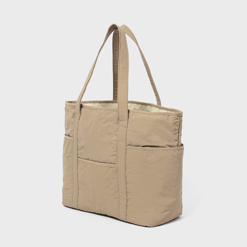 MAZI UNTITLEDNylon Cafe Tote(Beige)